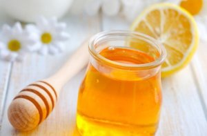 https://alwayshealthyliving.com/wp-content/uploads/2016/11/Honey-And-Lemon.jpg