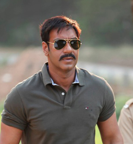 http://boxofficeindia.co.in/wp-content/uploads/2011/05/Ajay-Devgn-in-Singham-3.jpg